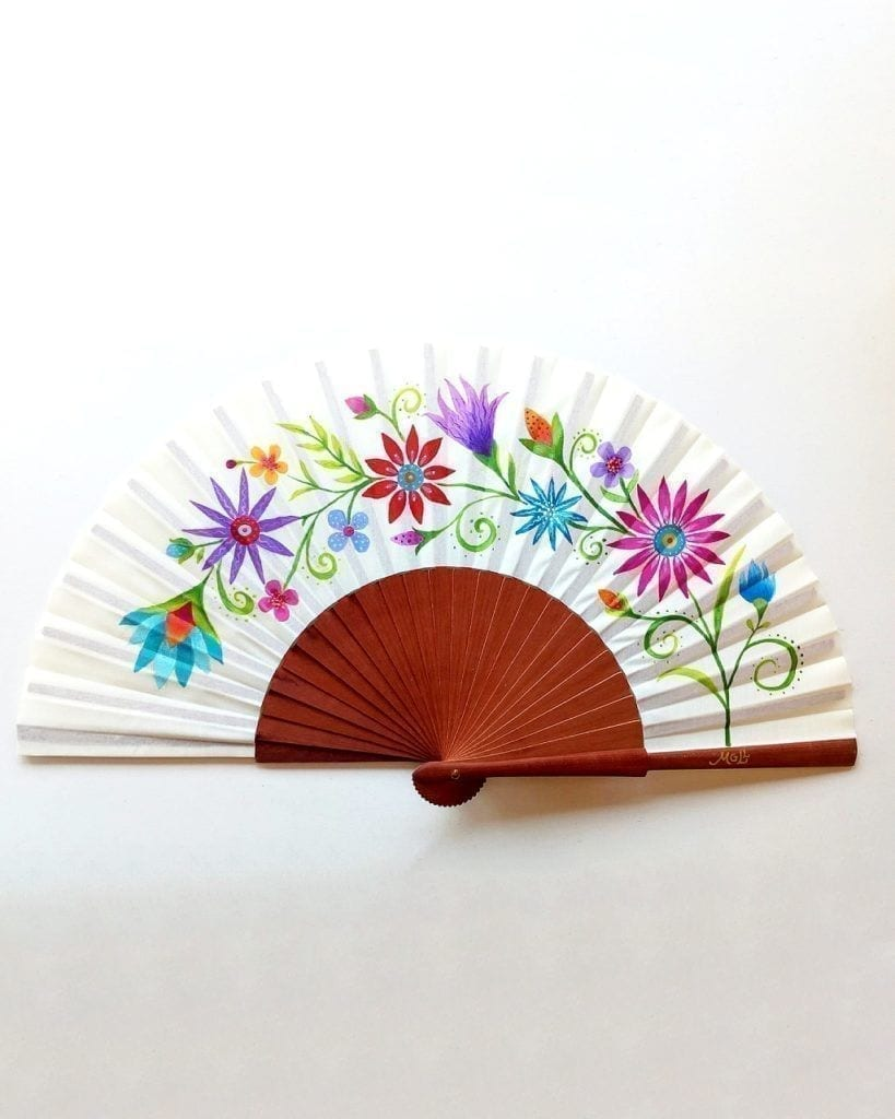 Abanico personalizado con flores _ wooden hand fan with painted flowers